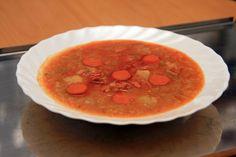Kelová polievka s párkom
