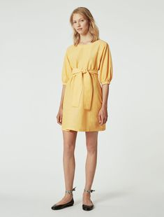 Vestido de chambray de lino/algodón Chambray, Cold Shoulder Dress, Summer Dresses, Fashion, Italian Fashion, Dress, Young Women, Personal Style, Woman Clothing