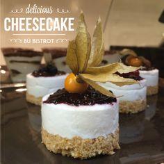 Se siete golosi di dolci, siete arrivati nel posto giusto! La cheesecake di mozzarella di Bufala e frutti di bosco vi cambierà la giornata!