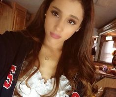 Ariana Grande with her hair down! ...