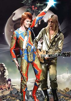 Bowie and Mick Ronson. Mick Ronson - great arranger,producer and guitarist Robert Mapplethorpe, Bert Stern, Annie Leibovitz, Richard Avedon, Freddie Mercury, Andy Warhol, 70s Artists, David Bowie Fashion, David Bowie Pictures