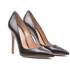 Gianvito Rossi Classic Pumps (31.315 RUB) ❤ liked on Polyvore featuring shoes, pumps, vermili military, military shoes, gianvito rossi, gianvito rossi pumps, gianvito rossi shoes and military footwear