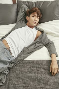 Read Lee Jun Ki from the story Fotos guapas by (Joey Lu [Hiatus]) with reads. OOOOOOOBVIOOOOOOO, no podía faltar mi actor (y coreano) fav. Lee Jun Ki, Lee Joongi, Asian Actors, Korean Actors, Scarlet Heart Ryeo, Jun Matsumoto, Hong Ki, Sexy Asian Men, Asian Guys