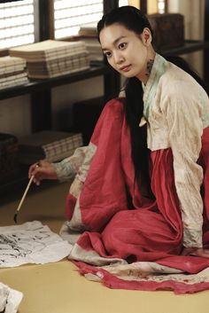 Arang and the Magistrate(Hangul:아랑사또전;hanja:阿娘使道傳;RR:Arangsatojeon; also known asTale of Arang) is a 2012South Koreanhistorical television drama, starringLee Joon-gi,Shin Min-ahandYeon Woo-jin. The period horror-romance is based on thefolklore of Arang, who died unjustly and returns as a ghost in order to reveal the circumstances surrounding her death.[1][2][3]It aired onMBCfrom August 15 to October 18, 2012 on Wednesdays and Thursdays at 21:55 for 20 episodes. Joon Gi, Lee Joon, Chinese Outfit, Yeon Woo Jin, Shin Min Ah, Arang And The Magistrate, Yoo Seung Ho, Fantasy Authors, August 15