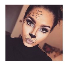 Are you looking for inspiration for your Halloween make-up? Browse around this site for cute Halloween makeup looks. Cat Halloween Makeup, Halloween Looks, Easy Halloween, Cheetah Halloween Costume, Leopard Costume, Last Minute Halloween Costumes, Animal Halloween Costumes, Cat Costume Makeup, Halloween 2020