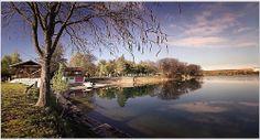 Glavno jezero, plaža kod jedriličarskog kluba.
