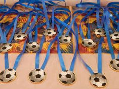 Resultado de imagen para candy bar tematica futbol Soccer Birthday Parties, Football Birthday, Soccer Party, Barcelona Party, Kids Sports Party, Soccer Theme, Ideas Para Fiestas, Holidays And Events, Party Themes