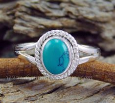 Amazing look turquoise sterling silver ring Code GSR000593 Stone Turquoise Price in US$ 6.99 wholesale silver ring, silver gemstone ring, handmade silver ring, beautiful design silver ring,925 sterling silver ring, amazing look silver ring,925 silver ring, Stylish look silver ring, fantastic look silver gemstone ring, Designer look silver ring,925 silver gemstone ring