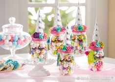 Fill mason jars with candy then embellish the lid for a unique party favor! Unique Party Favors, Party Favors For Kids Birthday, Unicorn Birthday Parties, Unicorn Party, Unicorn Club, Birthday Ideas, Mason Jar Candy, Mason Jar Favors, Mason Jar Diy