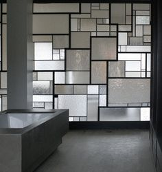 balance light creative partition on-me before / after parental suite 02 by on-me modern Modern Stained Glass, Modern Glass, Verre Design, Glass Design, Design Design, Glass Partition Designs, Modern Window Design, Modern Windows, Partition Door