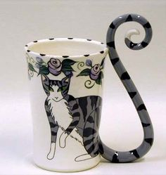 These Cat-Tail Mugs Have Perfect Feline Form OMYGOSH! Meeee neeeeed this Mug :)