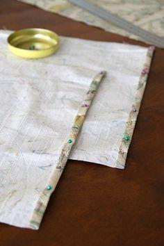 Fórmula perfecta para hacer cojines – La Vida en Craft Diy, Sewing, Tableware, Formulas, Decir No, Home Decor, Pillows, Tinkerbell, Scrappy Quilts