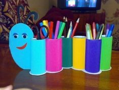 Help your kids with creative ideas for school crafts, let enjoy your back to school craft making moments too. Here are the Top 9 Back School craft Ideas. Toilet Roll Craft, Toilet Paper Roll Crafts, Paper Crafts For Kids, Diy For Kids, Crafts To Make, Easy Crafts, Arts And Crafts, Creative Ideas For Kids, Tissue Roll Crafts