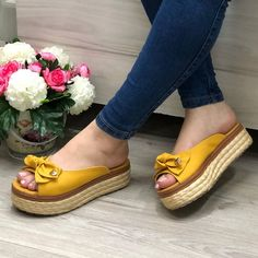 Fashion Tips Teenage .Fashion Tips Teenage Fashion Sandals, Sneakers Fashion, Jeans Fashion, Women's Fashion, Fashion Tips For Girls, Adidas Shoes Women, Shoes Heels Wedges, Cute Sandals, Pretty Shoes