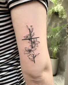 Raul William on Inst Dainty Tattoos, Dope Tattoos, Mini Tattoos, Symbolic Tattoos, Cross Tattoos, Classy Tattoos For Women, Tattoos For Women Small, Small Tattoos, Pretty Cross Tattoo