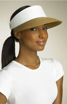 chic way to wear a visor