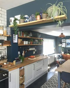 ✔️ 86 Popular Kitchen Remodeling Trends You Can Have In Your Own Homes 47 Decor Home Decor Kitchen, New Kitchen, Home Kitchens, Kitchen With Plants, Tiny Kitchens, Farmhouse Kitchens, Küchen Design, Interior Design, Interior Colors