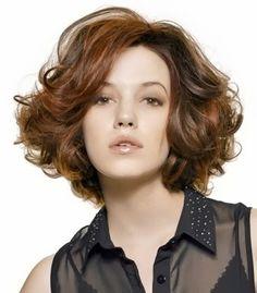 Esta temporada 2013/2014 se usa el pelo corto ondulado, sobre todo para aquellas que disfrutan de sus ondas. Es preferible cortar el pelo ...