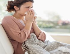 Airborne diseases, such as the cold and flu, travel through the air and get dispersed throughout a room, quickly spreading and infecting others. Go Feminin, Viral Infection, Healthy Mind And Body, Safety Tips, Health And Safety, Natural Health, Natural Remedies, Health Tips, Wellness