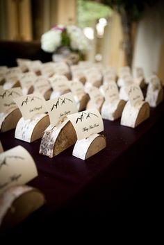 birch stem-deco-wood disc-tischkarten Halter - Decoration For Home Birch Wedding, Our Wedding, Dream Wedding, Name Card Holder, Place Card Holders, Modern Planting, Wedding Table Seating, Modern Garden Design, Christmas Mood