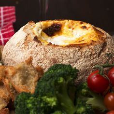 Cheese Fondue Bread Boat Recipe by Tasty Fondue Raclette, Best Cheese Fondue, Tapas, Sandwiches, Bread Bowls, Cheesy Recipes, Mozzarella, Food And Drink, Cooking Recipes