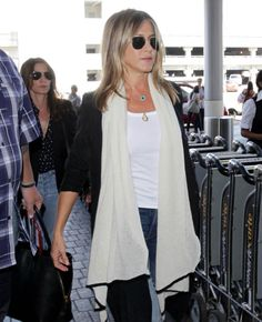 Pin for Later: Jennifer Aniston's Best Summer Outfits All Include This Affordable Staple Which Included Her Go-To Summer Top!