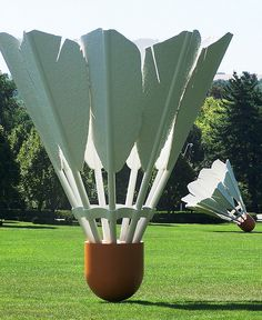 Coosje van Bruggen+Claes Oldenburg. Zijn samen een setje.