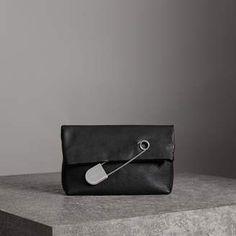 6e2436d283 12 Best Handbag Lust images   Lust, Bags, Prada saffiano