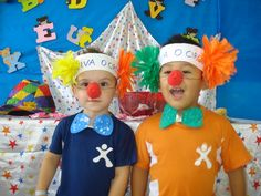 fantasias faceis de fazer circo crianças - Pesquisa do Google Clown Crafts, Circus Crafts, Carnival Crafts, Carnival Decorations, K Crafts, School Decorations, Carnival Costumes, Halloween Crafts, Crafts For Kids