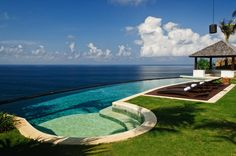 Blue as far as the eye can see! Villa Pawana at #semarauluwatu #bali