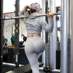 GLUTE GAINS with 3 alternative exercises to a stair machine❗️ Which one is your favorit