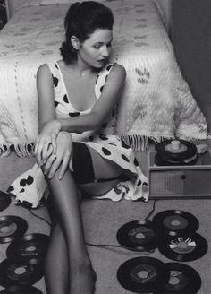 retro vintage modern hi-fi: hifi girl Nylons, Lps, Pin Up, Vinyl Junkies, Stocking Tops, Record Players, Vinyl Music, Vintage Vinyl Records, Cultura Pop