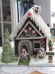 I could never do this as a little kid.  / Gingerbread House #gingerbread  #christmas