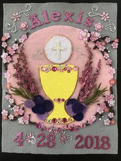 First Communion Banner First Holy Communion Cake, First Communion Banner, First Communion Decorations, First Communion Veils, Holy Communion Invitations, Holy Communion Dresses, Communion Banners, Catholic Communion, Cake Paris