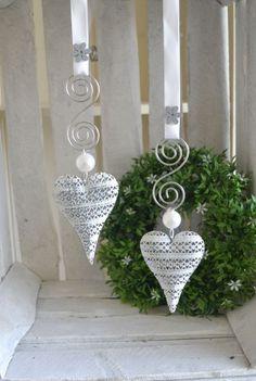 Fensterdeko 2-Set filigranes Herz längliche Form Perle Formdraht 10 cm grau/weiß | Möbel & Wohnen, Dekoration, Sonstige | eBay!