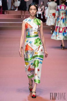 Dolce   Gabbana Fall-winter 2015-2016 - Ready-to-Wear Fall 7172d361070