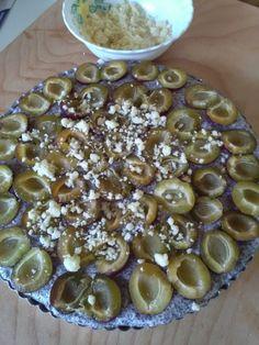 Jemný makovo-slivkový koláč (fotorecept) - obrázok 10 Oatmeal, Recipies, Beans, Goodies, Sweets, Vegetables, Breakfast, Anna, Cakes