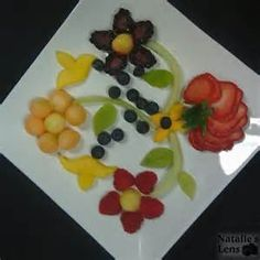Hilton's Fruit Plate   FOOD: Fruit and such