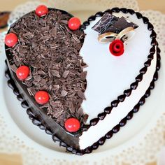 Are you looking for best online cakes delivery at affordable cost then we are the best choice for you . We are selling best quality cakes online delivery in our category . Birthday Cake Video, Birthday Cakes, Happy Birthday Best Friend, Online Cake Delivery, Surprise Boyfriend, Heart Shaped Cakes, Easy Cake Decorating, Cake Online, Cake Videos