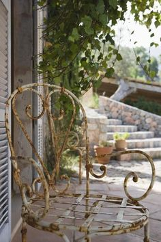 Great tips for refinshing anything metal & rusty.
