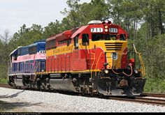 RailPictures.Net Photo: FEC 711 Florida East Coast Railroad (FEC) EMD SD40-2 at Bunnell, Florida by Bob Pickering (BP)