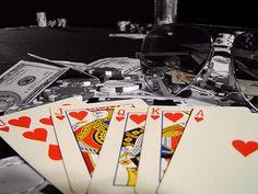 Jika bermain dengan situs Agen Judi Poker Online Terbaik di Asia, kamu harus bersiap untuk mendapatkan bonus besar dengan ukuran Internasional, terdapat banyak