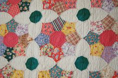 Close-up of Vintage quilt from Laura Wheeler Friendship Garden quilt pattern.