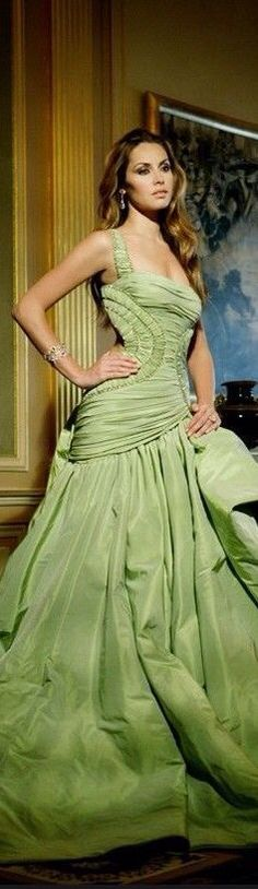 Glamorous Evening Dresses, Evening Gowns, Dressy Attire, Vogue, Glamour, Beautiful Gowns, Beautiful Clothes, Shades Of Green, Dream Dress