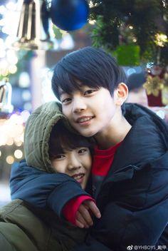 Zhang Enshuo and Guo Dianjia Cute Asian Babies, Cute Asian Guys, Cute Korean Boys, Korean Babies, Asian Kids, Cute Guys, Superman Kids, Blue Anime, Ulzzang Kids