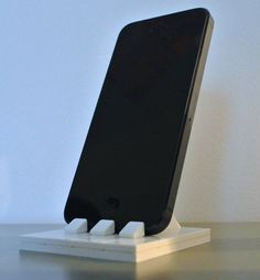 LEGO iPhone stand. © 2012 VEDEL Antoine. All rights reserved.