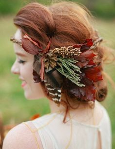 Cedarwood rustic fall hair piece featuring fall colour leafs and feathers Fall Flower Crown, Flower Crown Wedding, Fall Wedding Hairstyles, Hippy Chic, Floral Headpiece, Bridal Musings, Autumn Wedding, Rustic Wedding, Autumn Bride