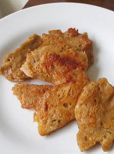 "I""ll let you see the final result first.in the form of vegan Reubens! Here is the seitan in the raw, the firmness and texture was perfect! Better than store-bought. Here it is, sliced and gent. Seitan Recipes, Veggie Recipes, Whole Food Recipes, Vegetarian Recipes, Cooking Recipes, Easy Seitan Recipe, Vegan Foods, Vegan Dishes, Homemade Seitan"