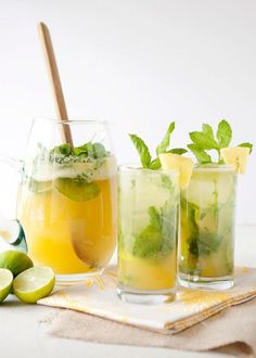 Pineapple Arugula Mojito recipe featured on DesktopCookbook. Ingredients for this Pineapple Arugula Mojito recipe include 1 pineapple, 1 cup fresh mint leaves, 1 cup Dole Arugula, and 2 limes, cut into 8 wedges. Refreshing Drinks, Summer Drinks, Cocktail Drinks, Fruity Cocktails, Juice Drinks, Juice 2, Drinks Alcohol, Fruit Drinks, Alcohol Recipes
