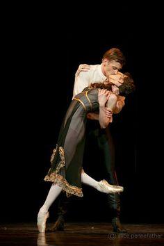 Rupert Pennefather & Melissa Hamilton in Mayerling